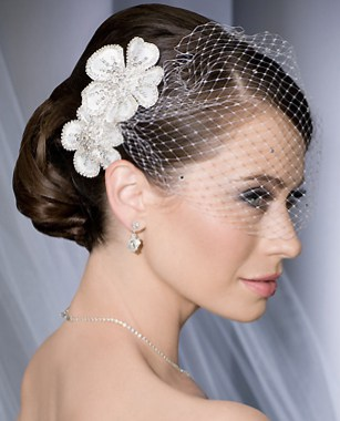 Bridal Hair Accessories | Premier Michigan Wedding Consultants